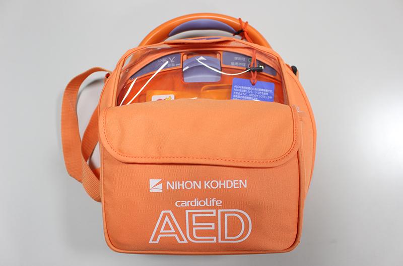 AED自動体外式除細動機